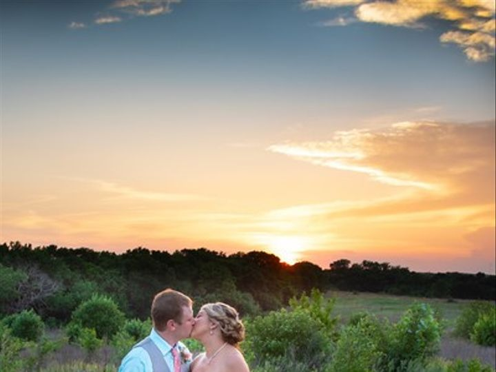 Tmx Bride And Groom With Valley View By Jlj Photography 51 750173 1566775143 Ozawkie, KS wedding venue