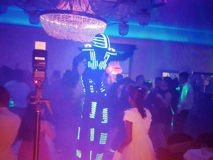 Lazer man dance with crowd
