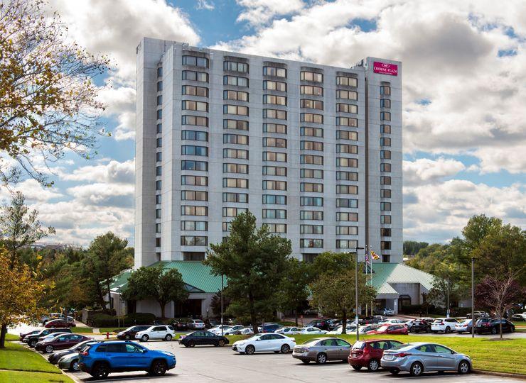 hotel exterior 51 1023173