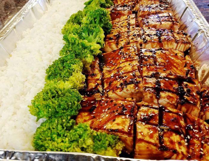 Teriyaki salmon rice and brocolli