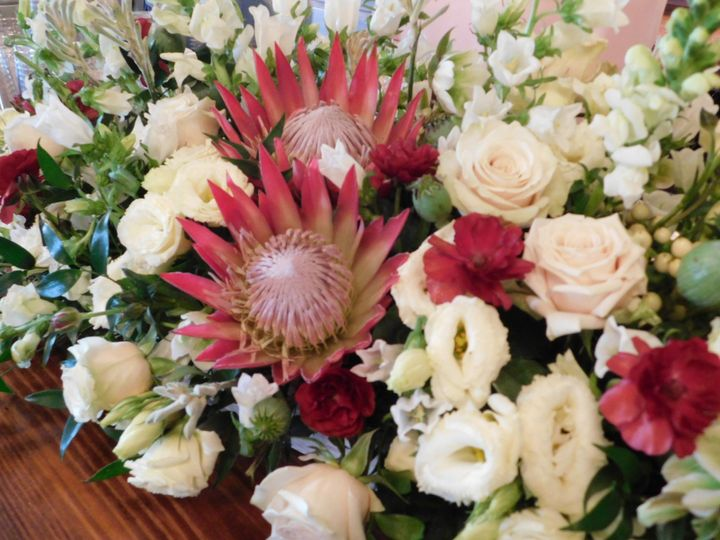 Protea Table Arrangement