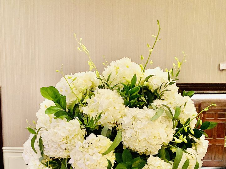 Tmx Img 6320 51 1896173 161288420399423 Livonia, MI wedding florist