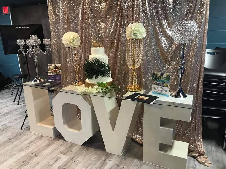 Love table and centerpieces
