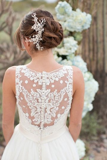 lace back allure 1