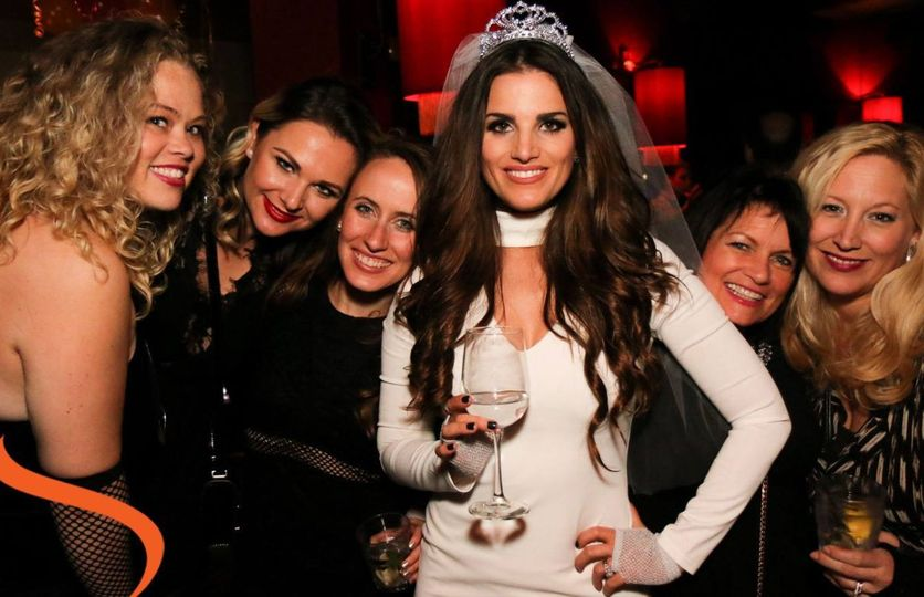The bride with her guests'