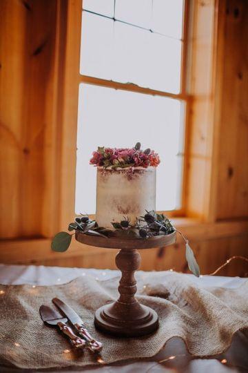 Semi-Naked w/fresh florals