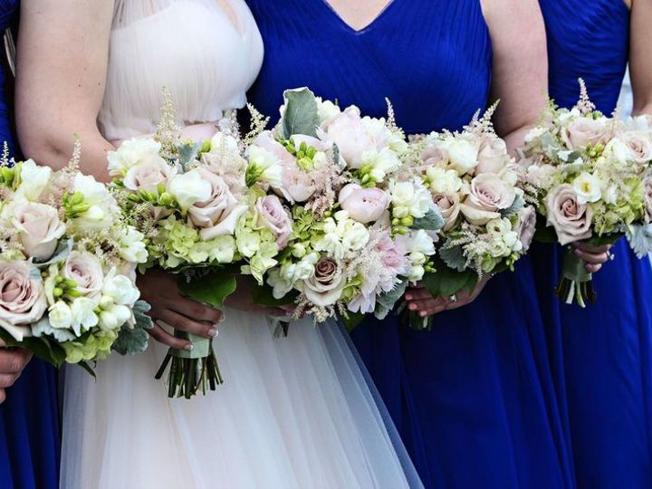 Tmx 1530581355 7699b7c8c8f6c712 1530581354 7ce0398180f49372 1530581796002 2 800x800 Fantastic  Glen Burnie wedding florist