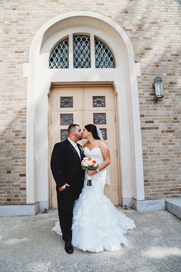 Kiss on the big day