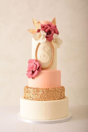 the sweet divine wedding cake st louis mo weddingwire