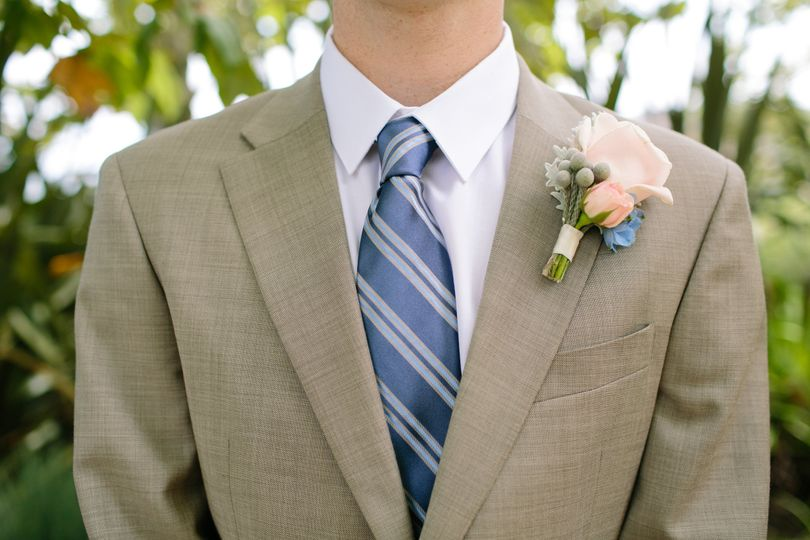 A special boutonniere for the groom.