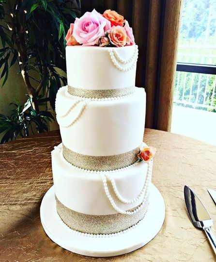 Pearl and Rose Blossom Wedding Cake