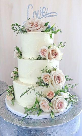 Buttercream blossom cake