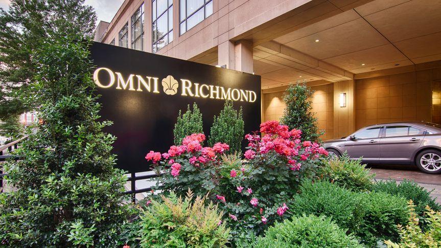Front of Omni Richmond Hotel
