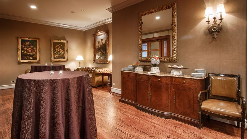 Magnolia Private Wine Bar and Pre-Function Area
