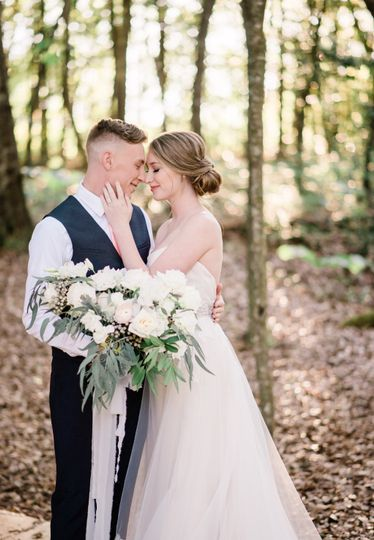 Woodland wedding - Karissa Layne Photography