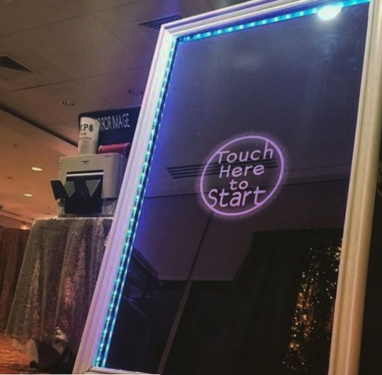 Mirror style photo booth