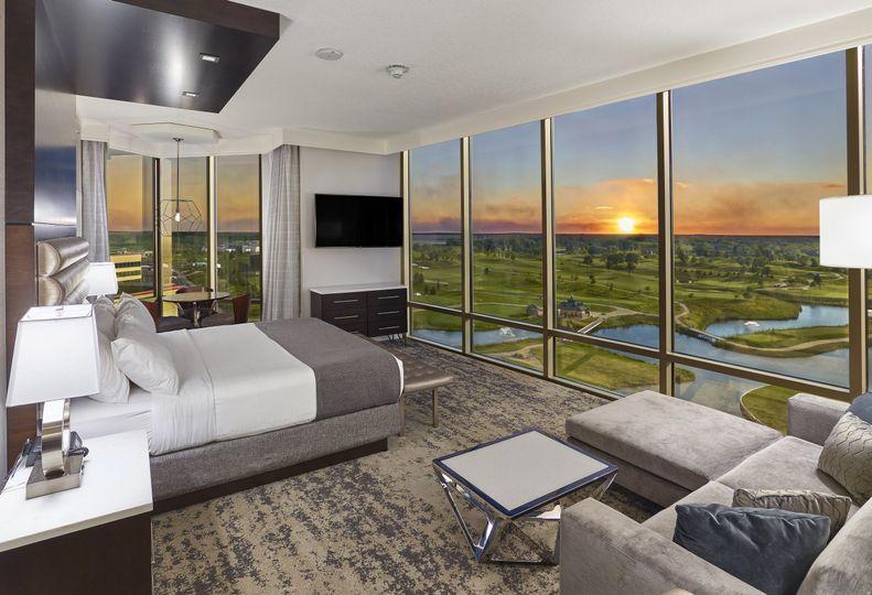 Promenade Tower King Suite