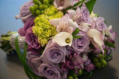 purple green roses wedding bouquet 51 32473 157893339211937