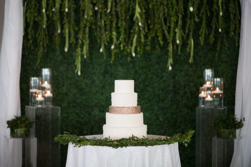 Boxwood Cake Backdrop