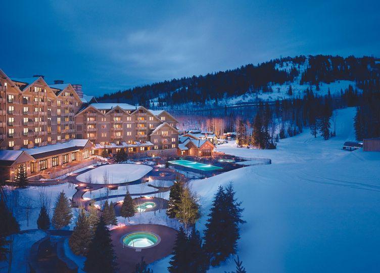 mdv architectural night winter resort view 1 51 1024473