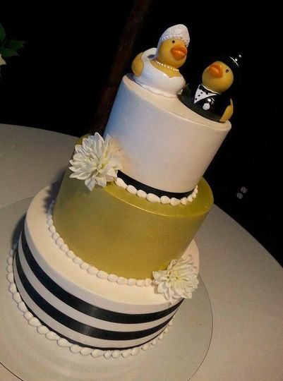 Lesley\'s Creative Cakes, Flowers & Catering - Wedding Cake - Mesa ...