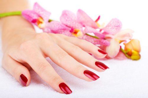 manicure red polish
