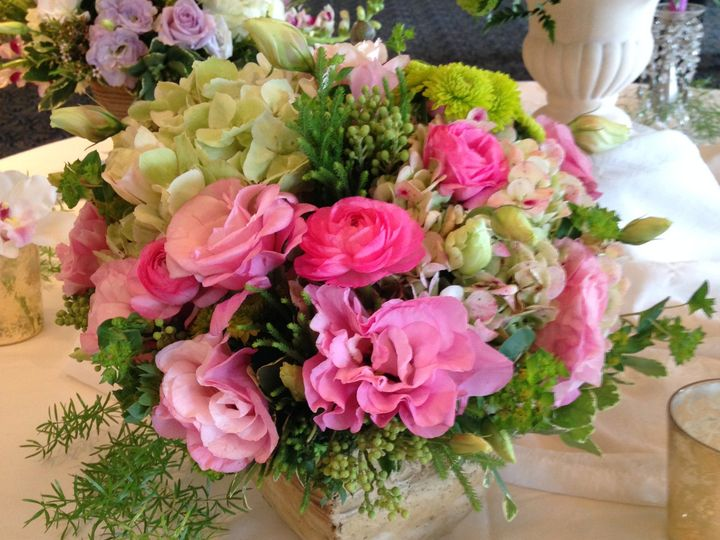 Tmx Giftsfromtheheartflorist Com Pink And Green Centerpiece 51 164573 159988683260201 North Babylon, NY wedding florist