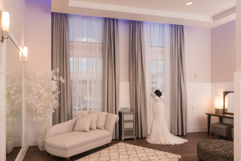 Luxurious dressing suite