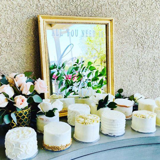 Mini Guest Cakes