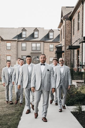 Gray suit style - Nilam Photography