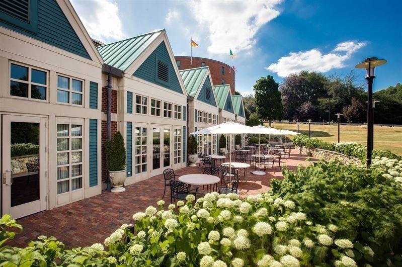 Welcoming terrace