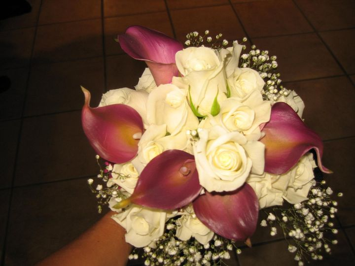 Tmx 1345583341148 Calaliliesroseswhite Towson, Maryland wedding venue