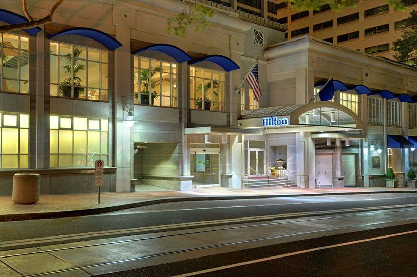 Hilton Portland Sixth Avenue Entrance
