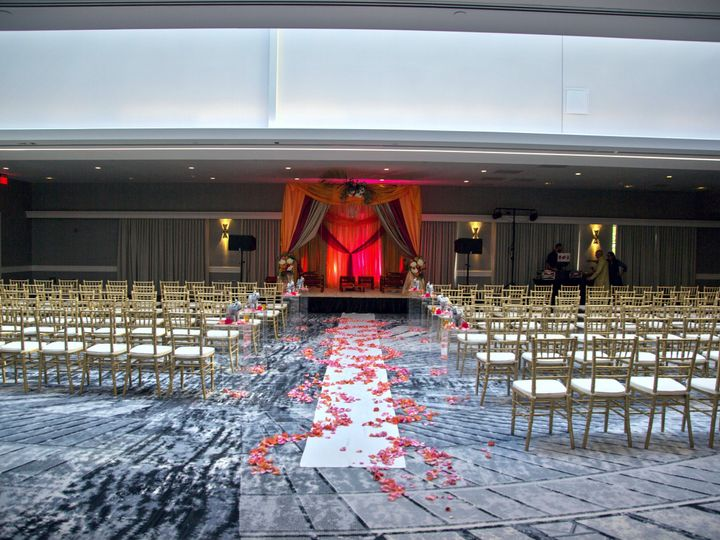 Tmx 1517441116 B8d9b4ee5d70aa2a 1517441114 Eb87a26d37a0b604 1517441111220 2 Atrium Ceremony We Portland, OR wedding venue