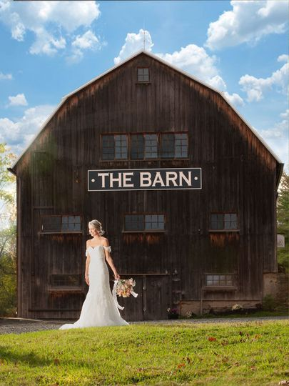 Side view of barn