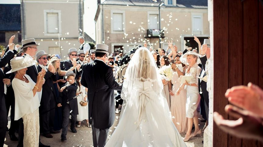 Destination wedding in France: Edy&KatePhoto by Ann Bouqett