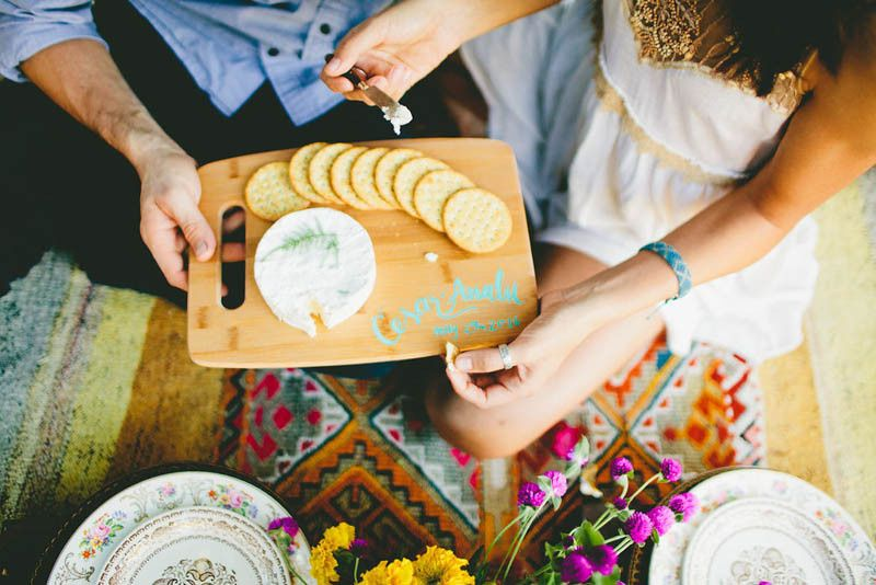 how to make your engagement shoot more personal a