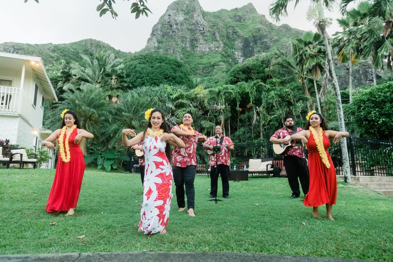 Oahu wedding outdoors
