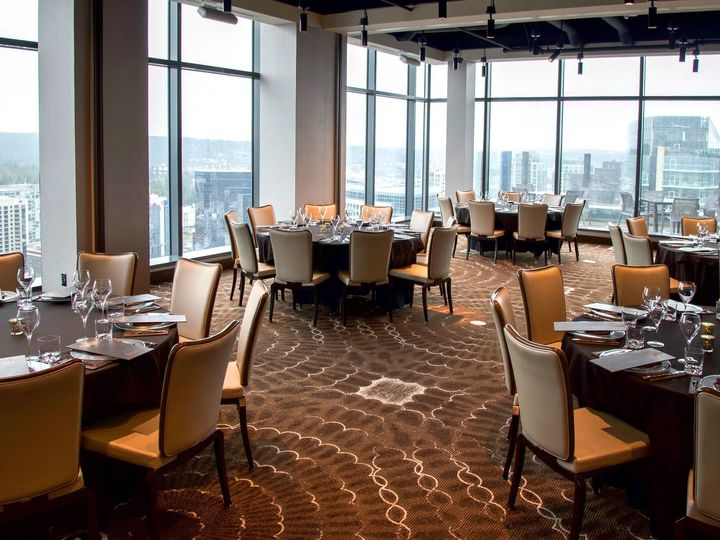 Tmx Vista Suite Facing Ne Rounds 51 1151773 158123223652074 Bellevue, WA wedding venue