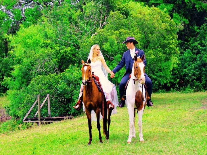 Tmx 1521918259 E8425f1cb8210d66 1521918257 C74023da1a79e8ac 1521918253054 9 Beall Everhart Bradenton, FL wedding videography
