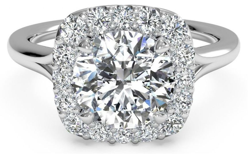 Diamond Exchange Dallas offers GIA certified engagement rings in Dallas TX.