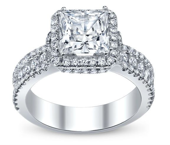 Diamond Exchange Dallas offers princess cut engagement rings in Dallas, TX.  Find out more about our...