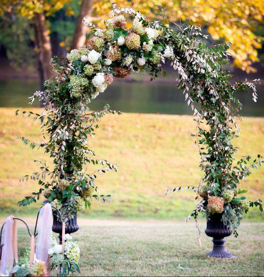 Geny's Flowers & Bridal