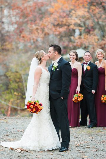 Allison Niles Photography - First kiss