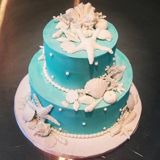 seashell turq wedding cake