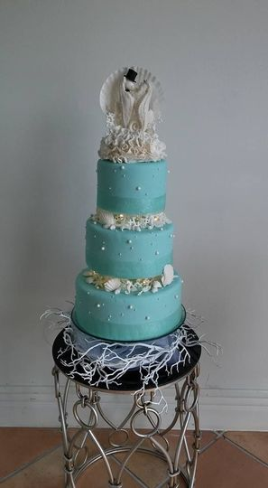 tier seahourse turq wedding cake