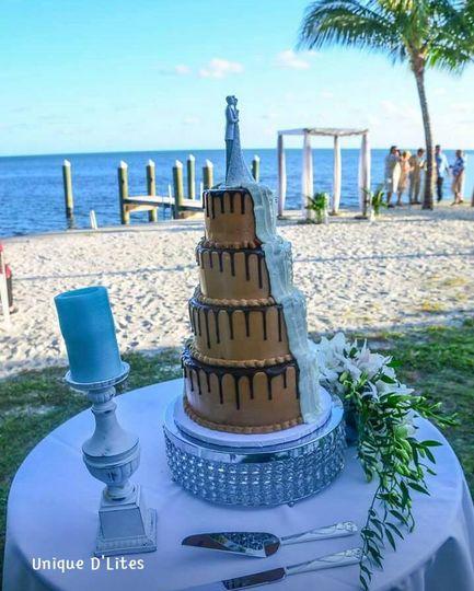 half choc half buttercream wedding cake