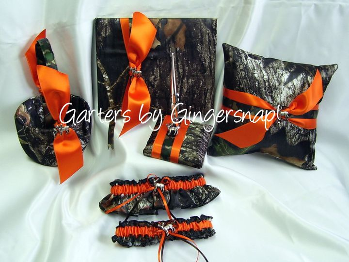 800x800 1253922538328 polkadotpinkset 800x800 1426461857861 mossyoak6pcset - Orange Camo Wedding Rings