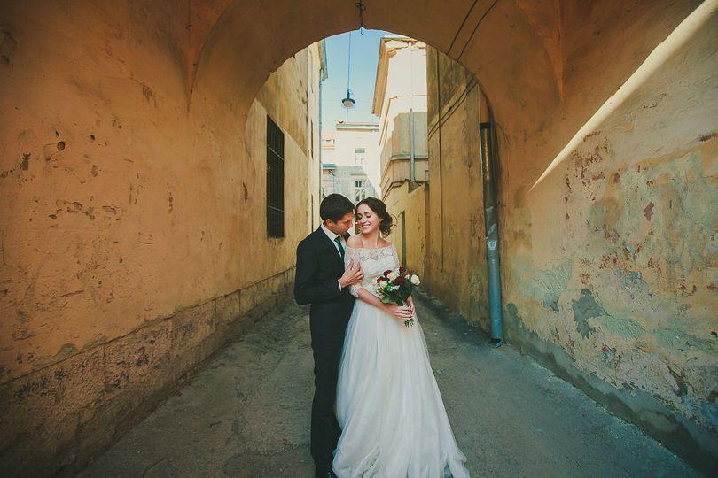 486e55c84b19d847 1518494100 4948f048c8c422ff 1518504900394 3 wedding couple is