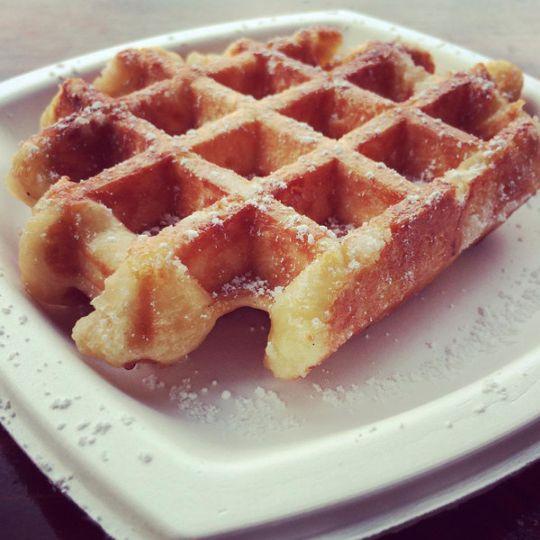 Liège waffle with powdered sugar
